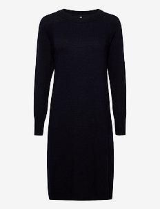 PZNOLA Dress - strikkede kjoler - dark sapphire