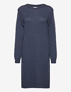 PZLUCY Dress - strikkede kjoler - dark sapphire melange