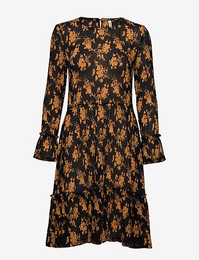PZFAIRY Dress - midi kjoler - black