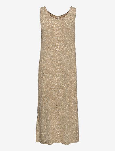 PZBENEDIKTE Dress - sommerkjoler - tannin flower printed