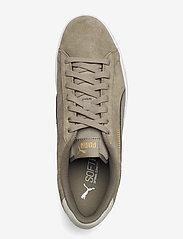 PUMA - Puma Smash v2 - låga sneakers - vetiver-vetiver-desert sage-puma team gold - 3