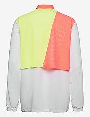 PUMA - Run Lite Woven Ultra Jacket - anorakker - puma white-nrgy peach-fizzy yellow - 1