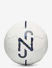 PUMA - NJR Fan ball - voetbaluitrusting - puma white-multi colour - 0
