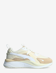 RS-Curve Tones Wn's - chunky sneakers - marshmallow-shifting sand-eggnog