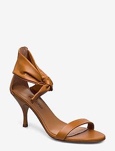 Quelea - sandały na obcasie - nappa soft miel