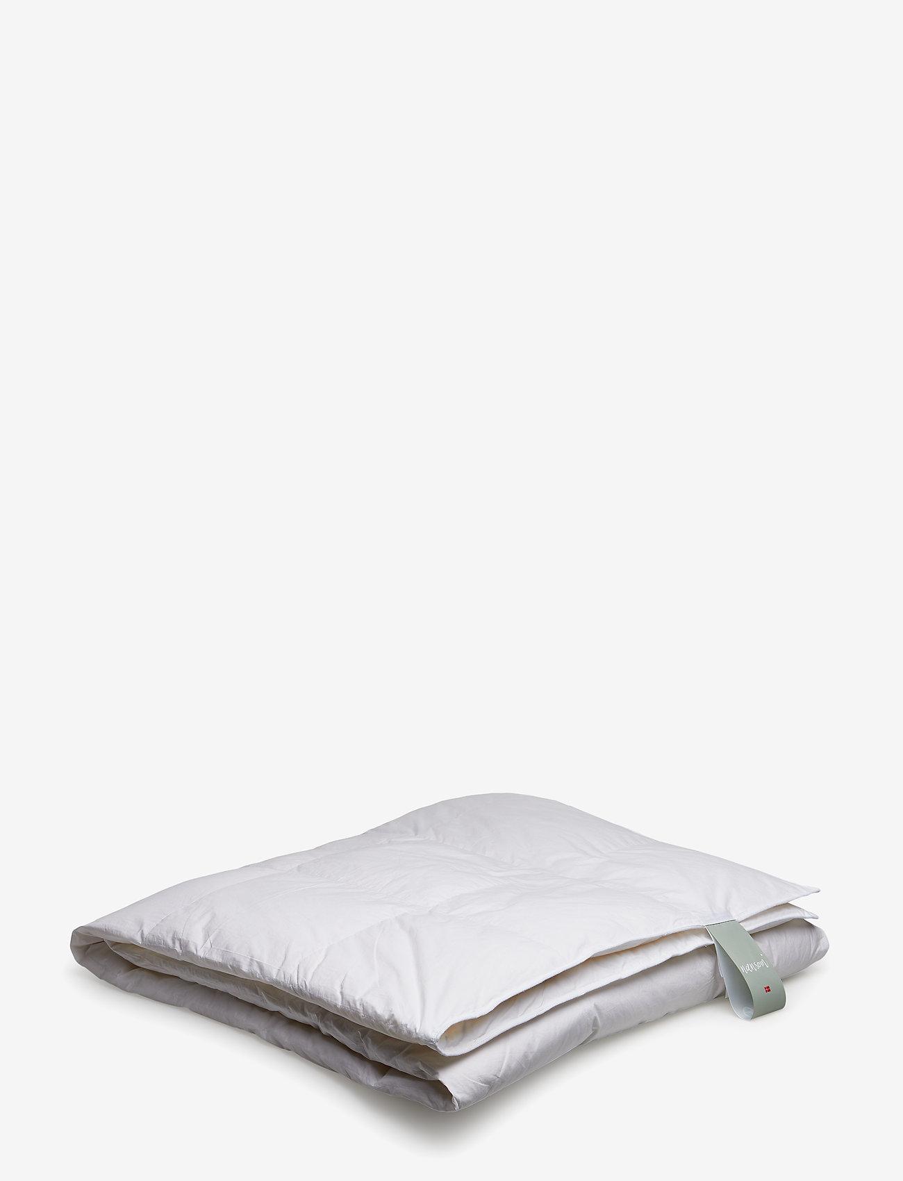Quilts of Denmark - Nænsom Medium Down Duvet - sengesæt - white - 0