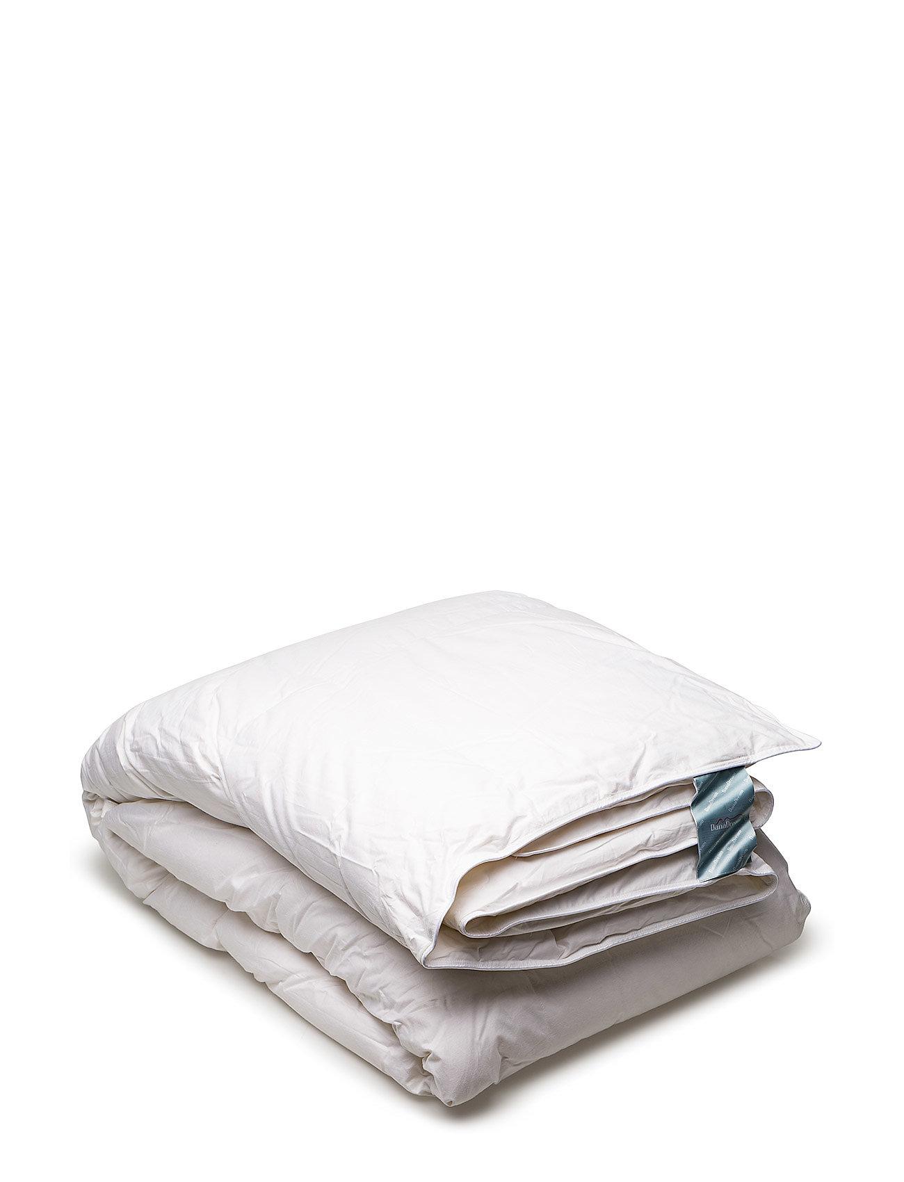 Quilts of Denmark Danadream Classic warm duvet - WHITE