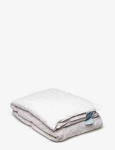 Danadream Classic warm duvet - pillows & duvets - white