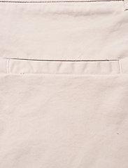 Rabens Saloner - Calina - chino shorts - off white - 4