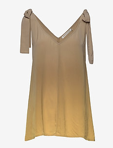 Hera - blouses à manches courtes - gold
