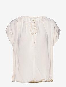Lili - short-sleeved blouses - buttermilk