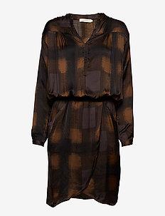 Geometric wrapover short dress - DARK LAVA