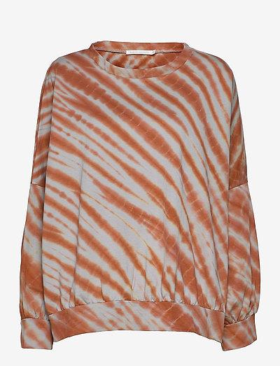 Kia - sweatshirts & hoodies - rust combo