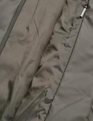 Rains - Trekker Jacket - vestes matelassées - 03 green - 4