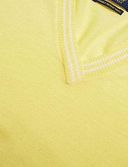 Ralph Lauren Golf - Merino Wool V-Neck Golf Sweater - trøjer - bristol yellow/pure white - 2
