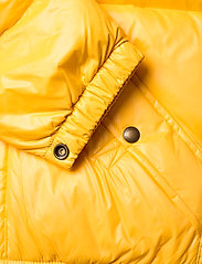 Ralph Lauren Kids - Water-Repellent Down Jacket - puffer & padded - gold bugle - 5