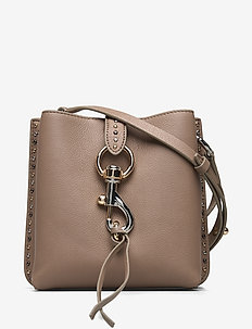 MEGAN MINI FEED BAG W/STUDS - SANDRIFT
