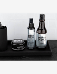 Redken - Redken Brews Instant Thickening Spray - spray - clear - 4