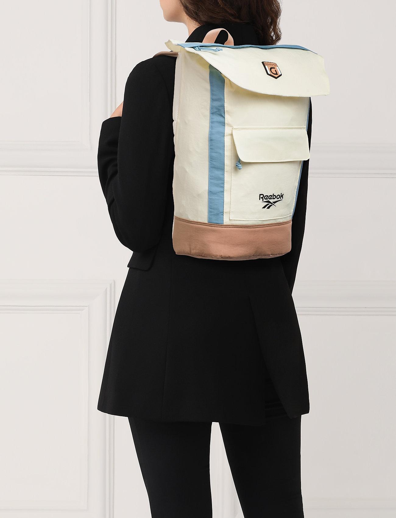 Reebok Classics CL Gigi Hadid Sling Bag - CHALK