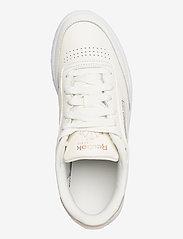 Reebok Classics - Club C 85 W - sneakers - chalk/golbro/ftwwht - 3