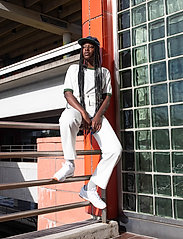 Reebok Classics - CL LTHR - chunky sneaker - white/gum - 0