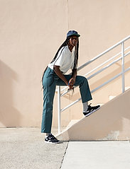 Reebok Classics - Classic Nylon W - lage sneakers - black/white/none - 0