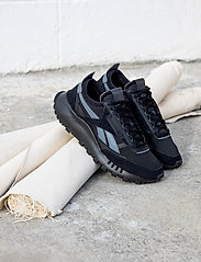 Reebok Classics - Classic Leather Legacy - laag sneakers - black/trgry8/trugr7 - 6