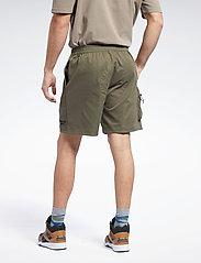 Reebok Classics - CL CAMPING SHORT - cargo shorts - armygr - 3