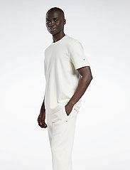 Reebok Classics - CL ND TEE - t-shirts - nondye - 0