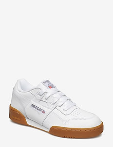WORKOUT PLUS - WHITE/CARBON/RED/GUM