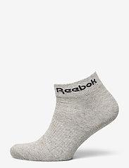 Reebok Performance - ACT CORE ANKLE SOCK 3P - kousen - mgreyh/white/black - 2