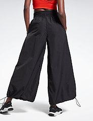 Reebok Performance - SH Woven Pant - sportbroeken - black - 3