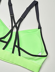 Reebok Performance - Lux Strappy Medium-Impact Sports Bra W - sport bras: medium - neomnt - 5