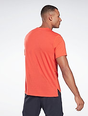 Reebok Performance - Workout Ready Supremium Graphic T-Shirt - t-shirts - dynred - 4