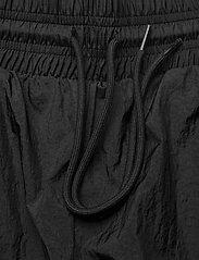 Reebok Performance - MYT Woven Pant - treenihousut - black - 8