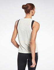 Reebok Performance - Modern Safari Big Logo Tank Top W - topjes - clawht - 3