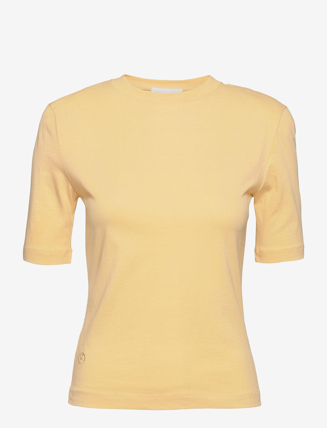 REMAIN Birger Christensen - Xenia O Neck - t-shirts - straw - 0
