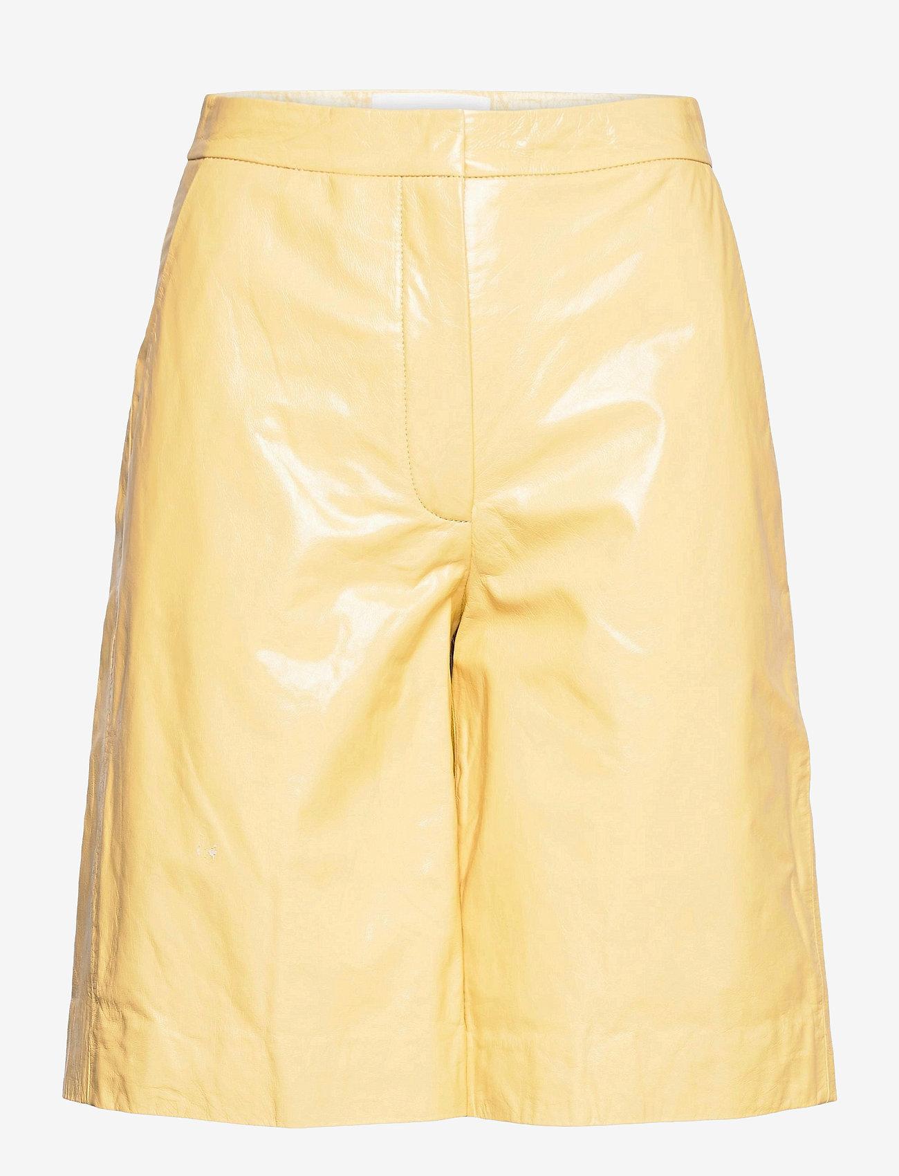 REMAIN Birger Christensen - Maisy Shorts - leren shorts - straw - 1