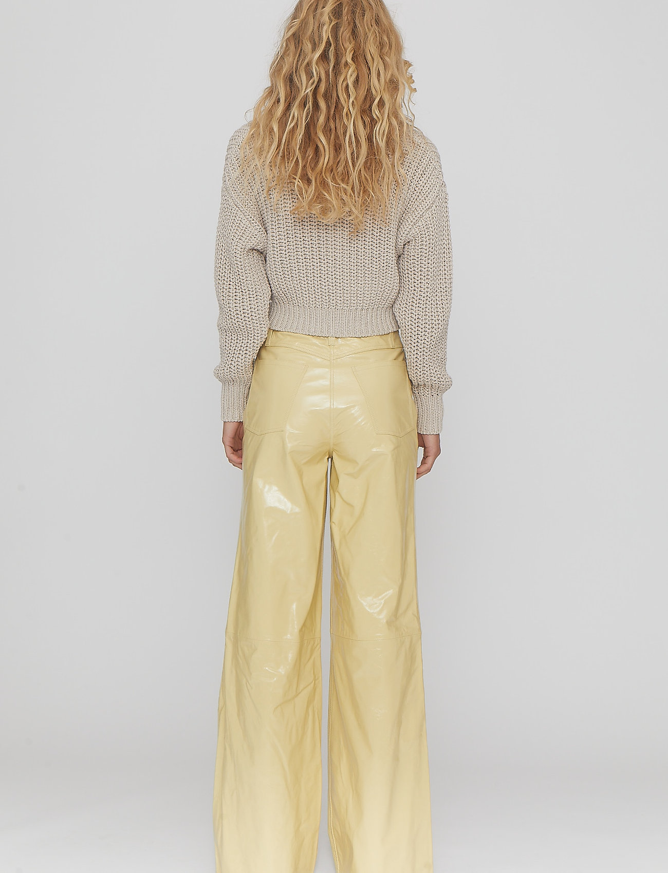 REMAIN Birger Christensen - Ariane Trousers - bukser med brede ben - straw - 7
