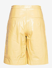 REMAIN Birger Christensen - Maisy Shorts - leren shorts - straw - 2