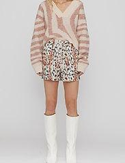 REMAIN Birger Christensen - Camille Shorts - casual shorts - leopard aop - 0