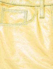 REMAIN Birger Christensen - Ariane Trousers - bukser med brede ben - straw - 3