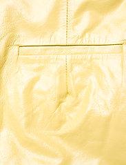 REMAIN Birger Christensen - Maisy Shorts - leren shorts - straw - 6
