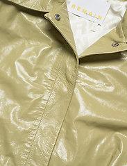 REMAIN Birger Christensen - Maika Coat Leather - lette frakker - gray green - 3