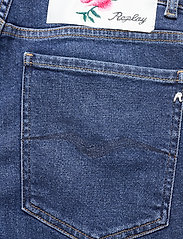 Replay - KILEY Rose Label Pack - slim jeans - medium blue - 4