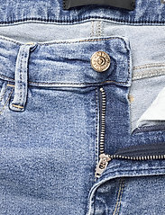 Replay - LUZIEN - slim jeans - light blue - 3