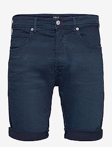 T-Shirt - denim shorts - dark blue