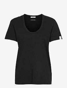 T-Shirt Essential - t-shirts - blackboard