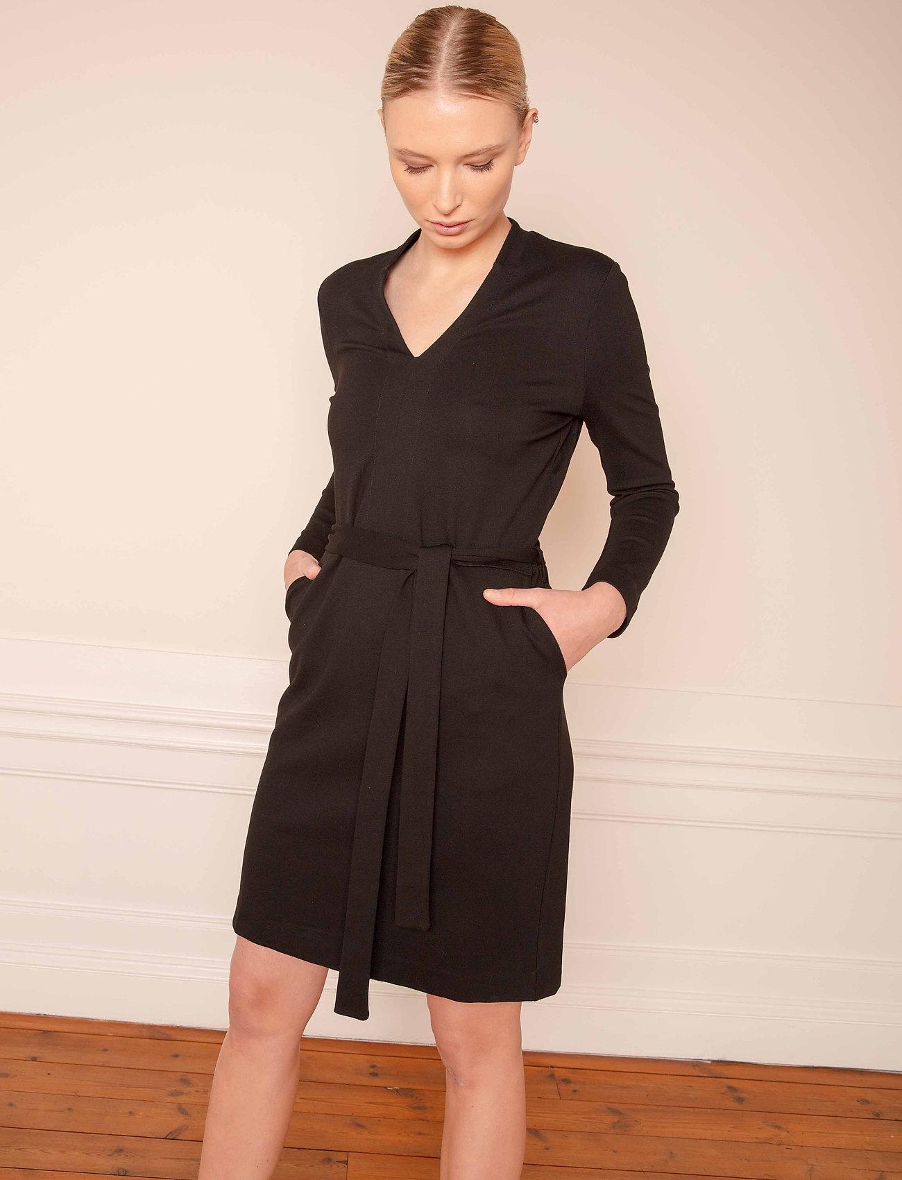 Residus - Lear Ecovero Dress - robes d'été - black - 0