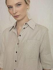 Residus - RODA SASHIKO SHIRT - overhemden met korte mouwen - sand stone - 5